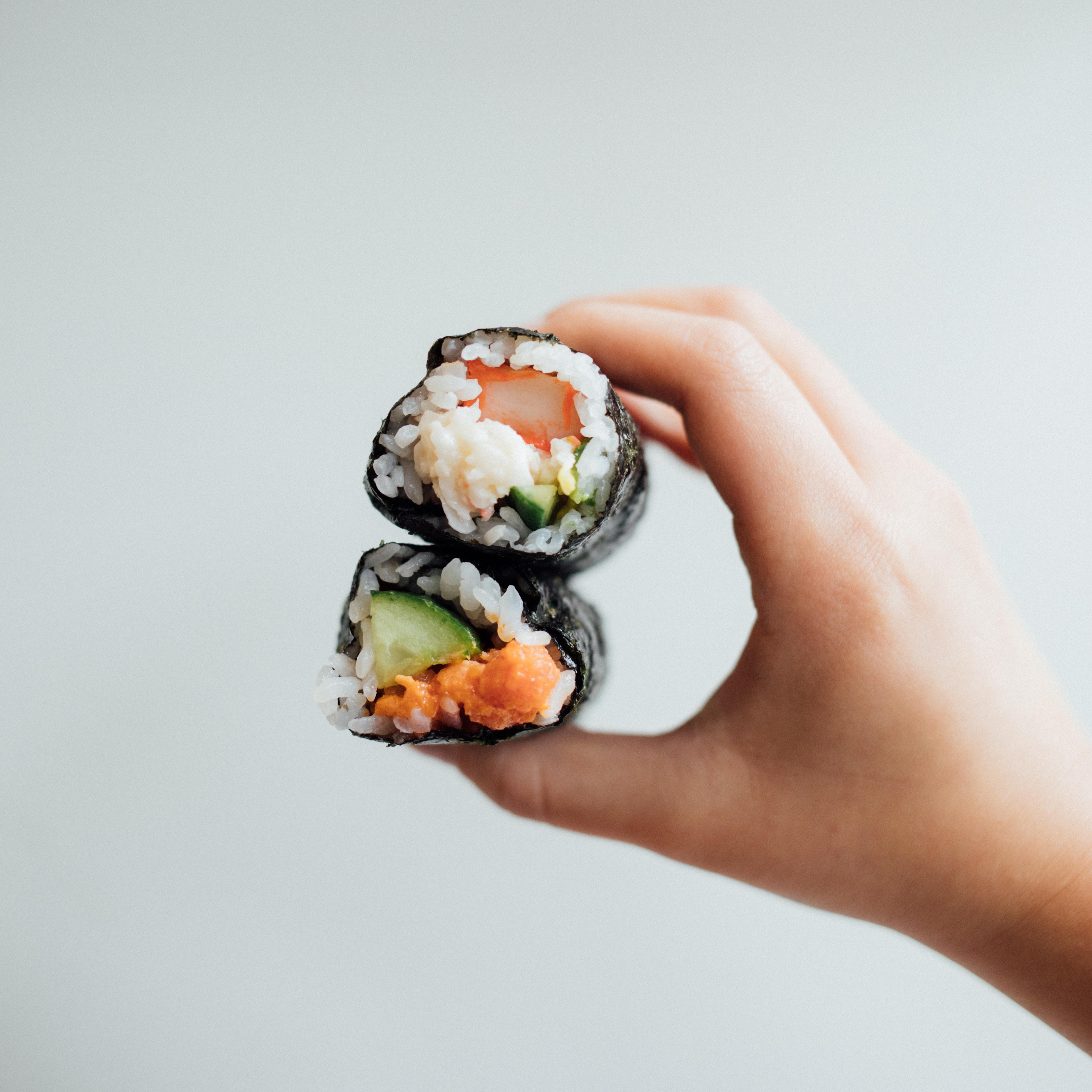 Sushi, envueltos en alga nori