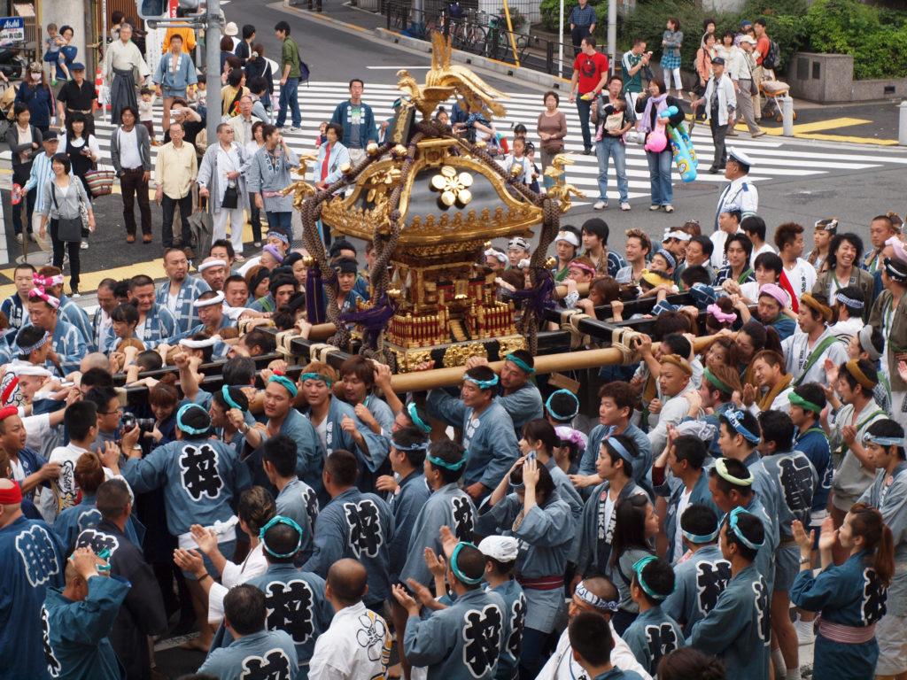 ElTsurugaoka Hachimangū Reitaisaies el festival anual más importante que celebra el santuarioTsurugaoka Hachimangū. Se celebradel 14 al 16 de septiembree incluye numerosos e interesantes eventos, entre los que destaca su competición de Yabusame o tiro con arco a caballo