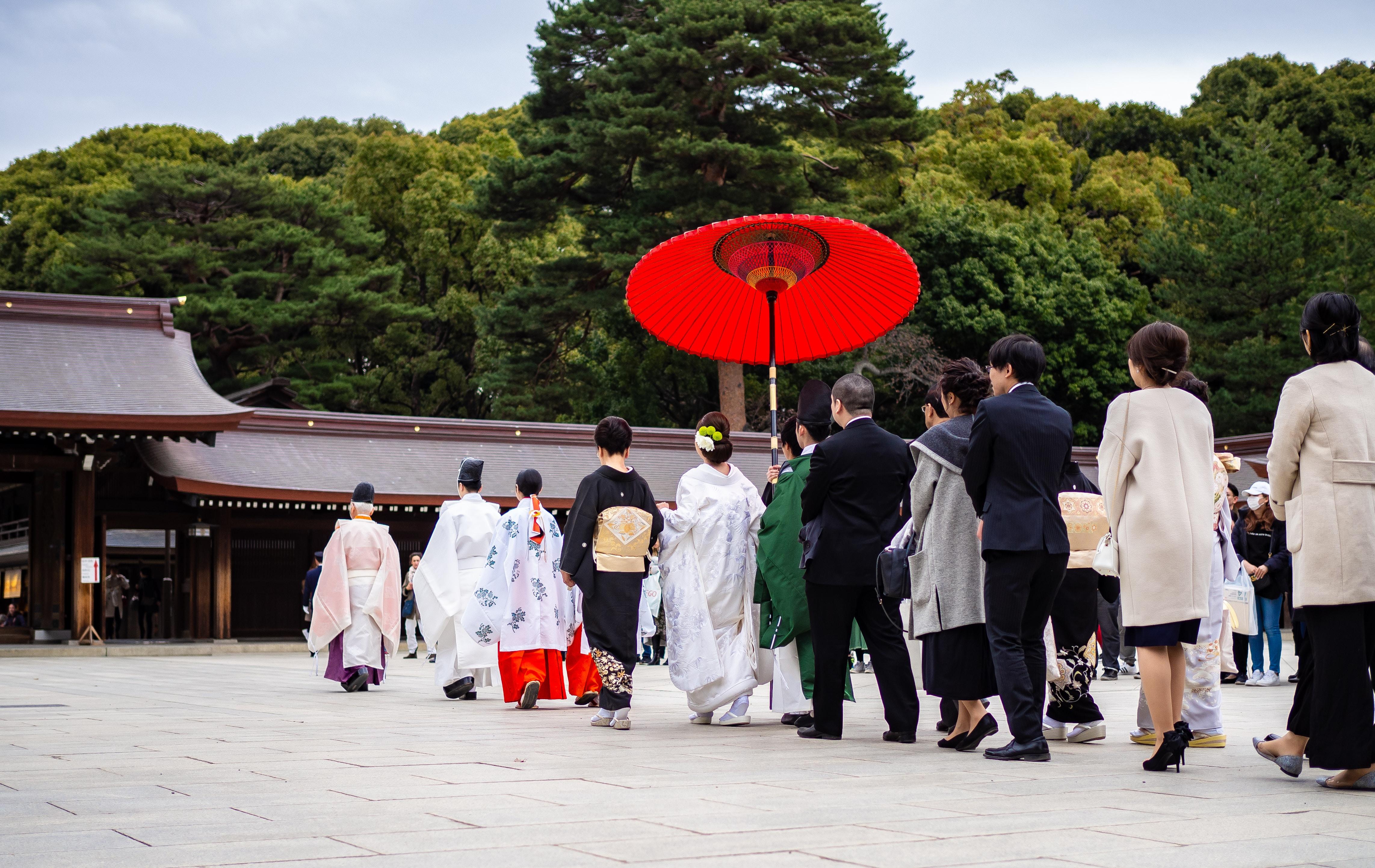 shūbun-no-hi, Día del equinoccio de otoño. Festividad en Japón donde los japoneses acuden a los templos para rendir tributo a sus muertos